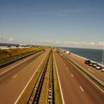 Autobahn Ijsselmeer Deich NIederlande Holland